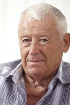 aging white hair man2